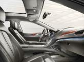 Передние сиденья оснащены подогревом, а водительское – еще и электроприводом