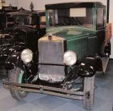 FN поставлял и грузовики на фронт, и лимузины для королевского двора