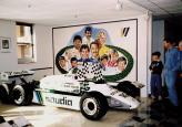 Шестиколесный Williams FW 08B сейчас хранится в музее
