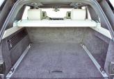 Объем багажника равен 909 л в обычном состоянии и 2030 л – в двухместной конфигурации