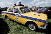"""В СССР использовали желто-синюю цветовую схему: желтый кузов и иногда синий бампер, а также синяя полоса по бокам с желтой или белой надписью """"милиция"""" и изредка под ней – герб Советского Союза"""