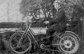 Свое знакомство с миром двигателей внутреннего сгорания Бентли начинал со своего первого в жизни мотоцикла фирмы Rex