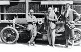 Бентли в компании знакомых с военных лет инженеров, с которыми в 1919 году основал компанию Bentley Motors Ltd