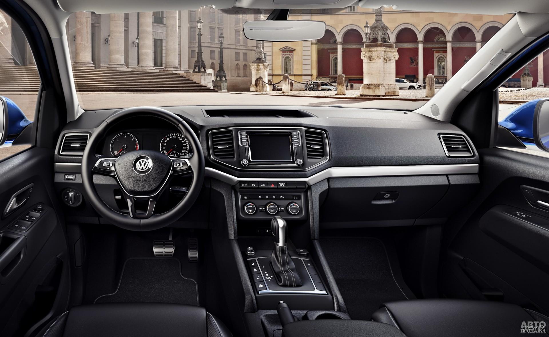 Рулевое колесо Volkswagen украшены знакомо по Golf VII