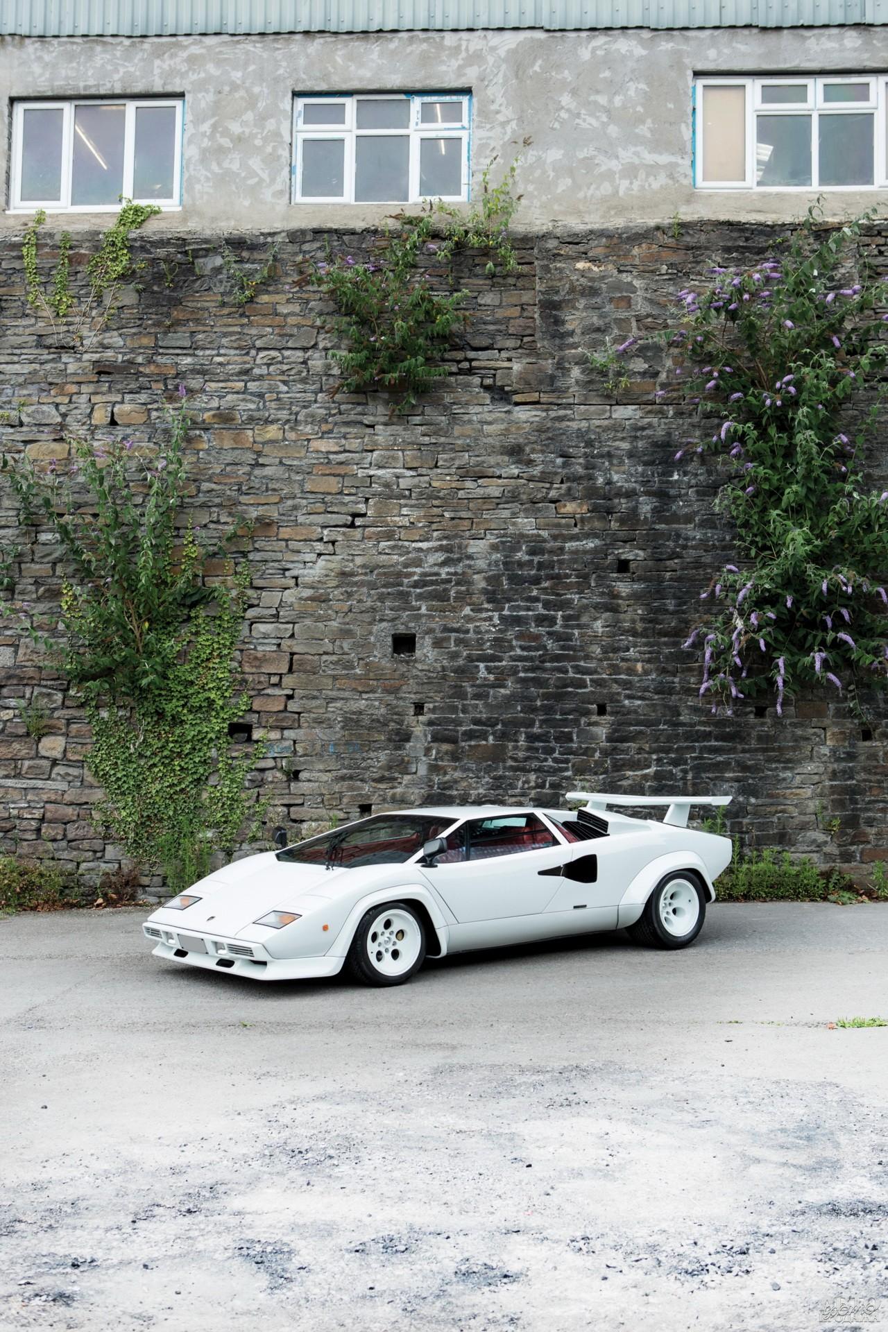 Lamborghini Countach LP400 S 1978 года  получил обвес и огромное заднее антикрыло