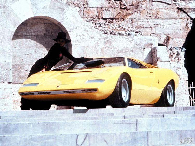 Lamborghini Countach: юбилей легенды