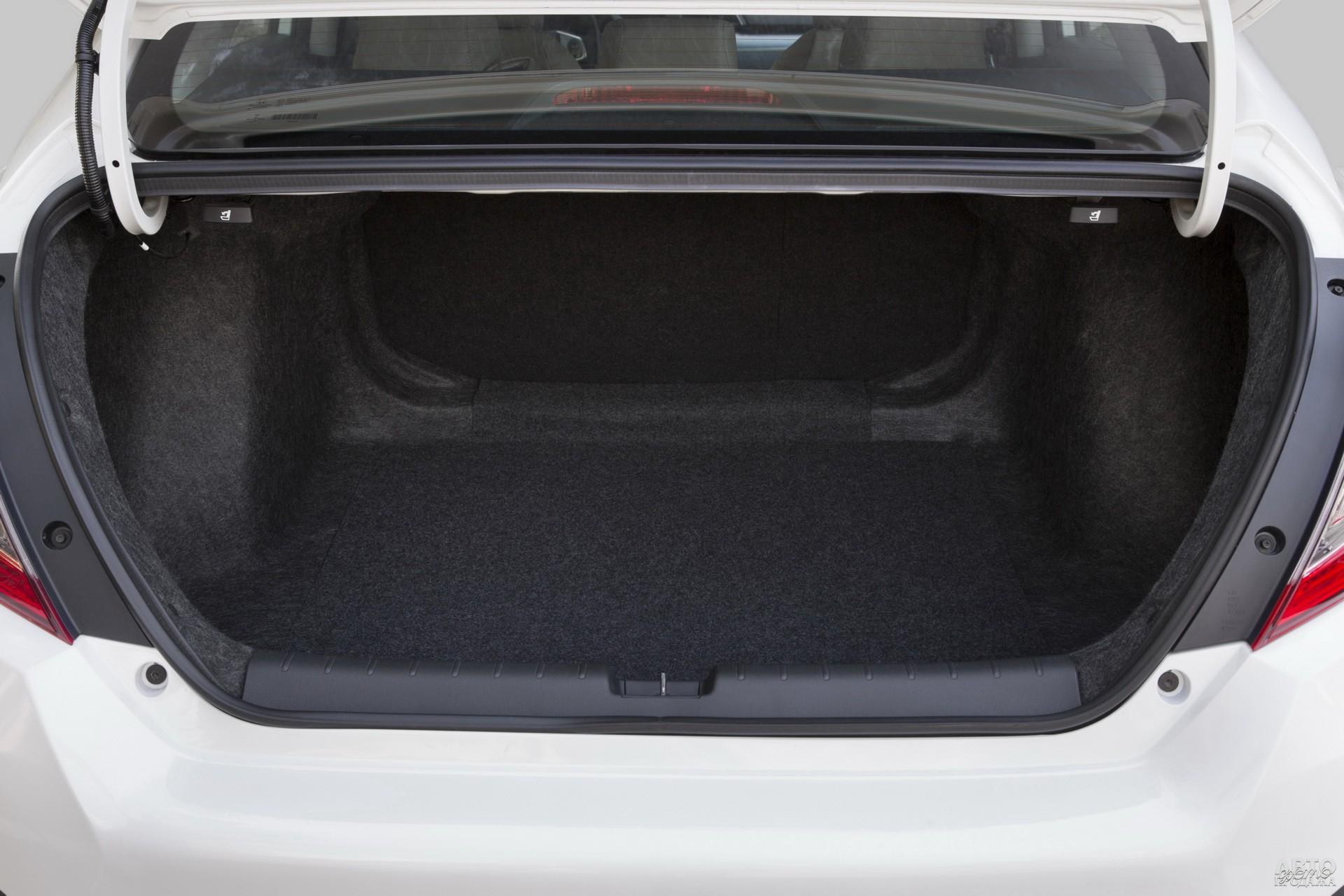 Объем багажника Honda – 519 л