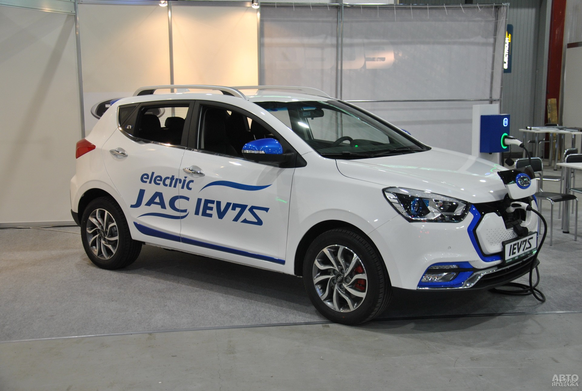JAC iEV7S
