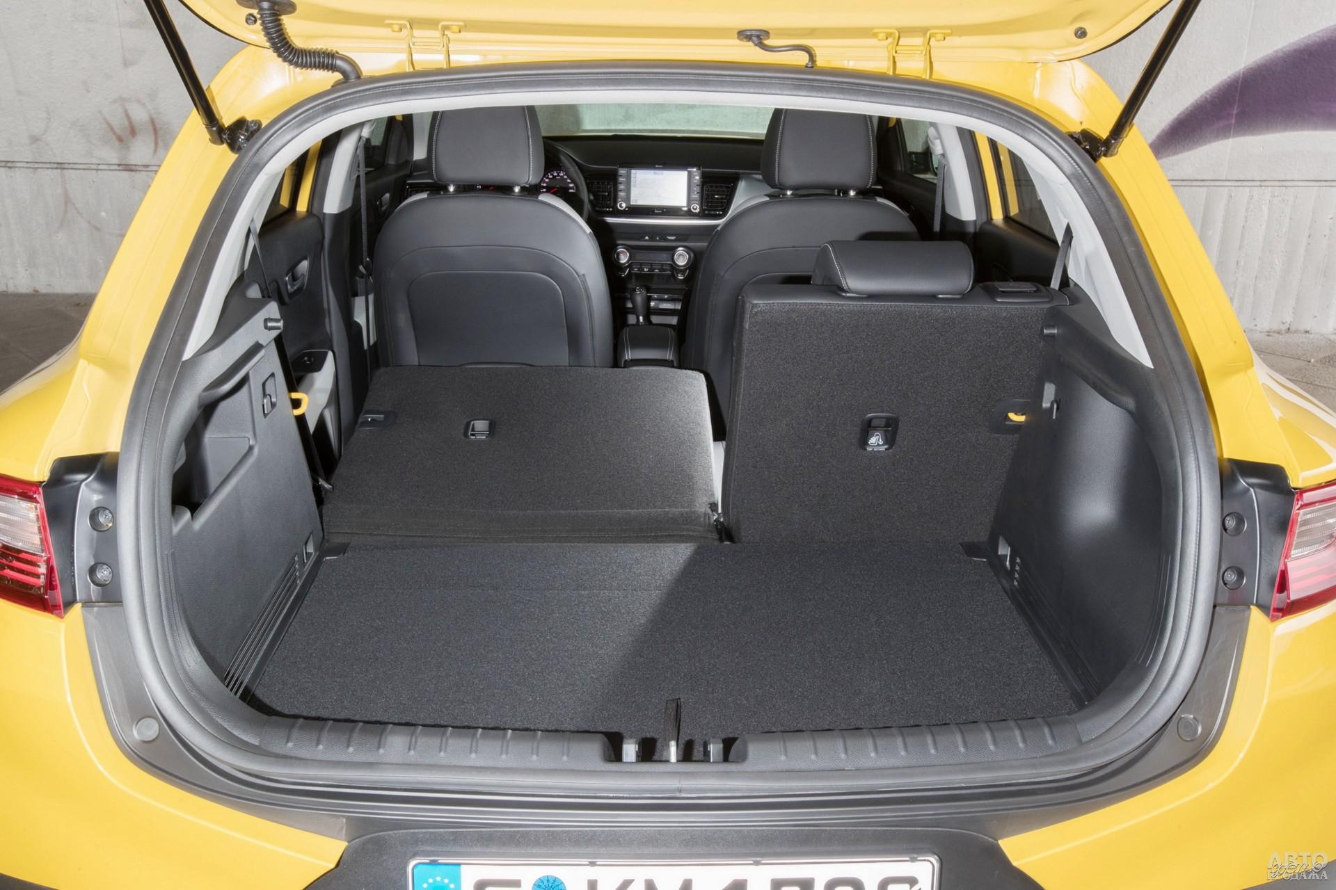 Объем багажника Kia – 332 л