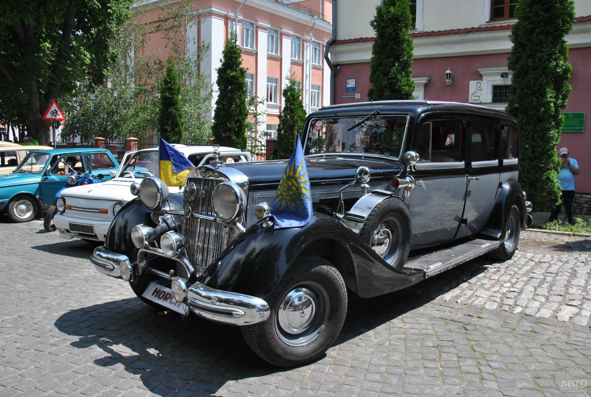 Звезда шоу - лимузин Horch 951