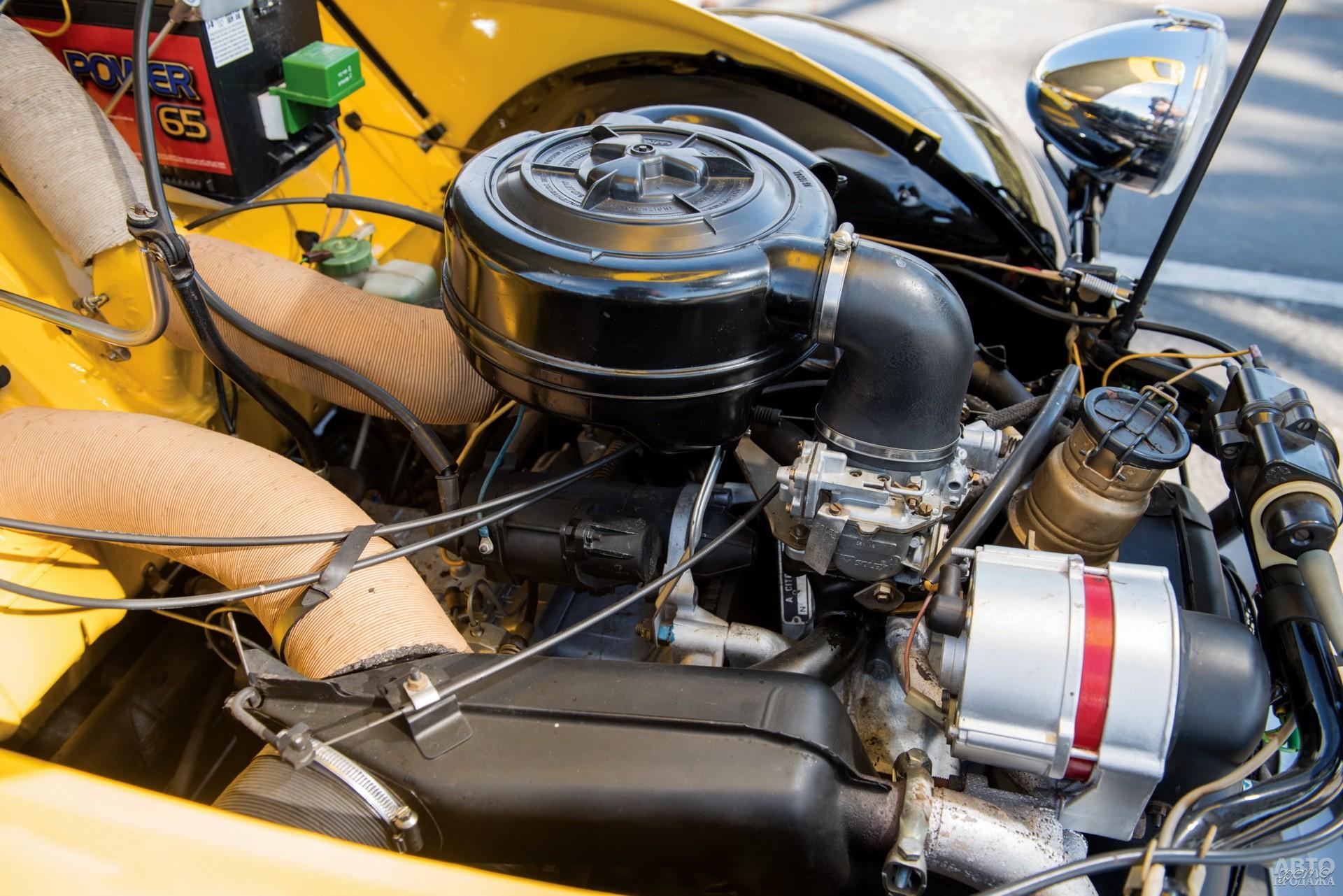 Оппозитный двухцилиндровый мотор приводил передние колеса