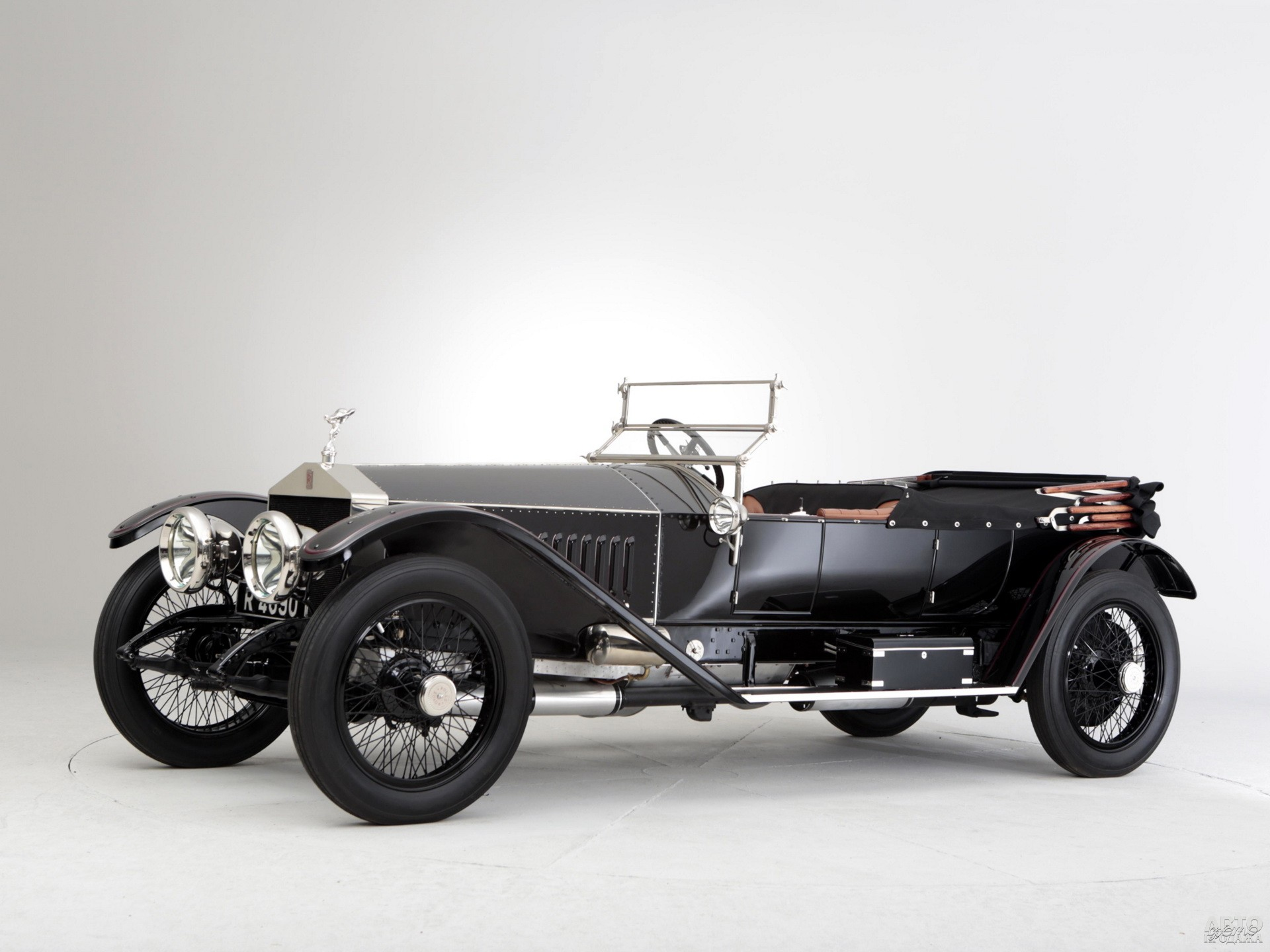 Спортивный 75-сильный вариант Silver Ghost 1913 года развивал 125 км/ч