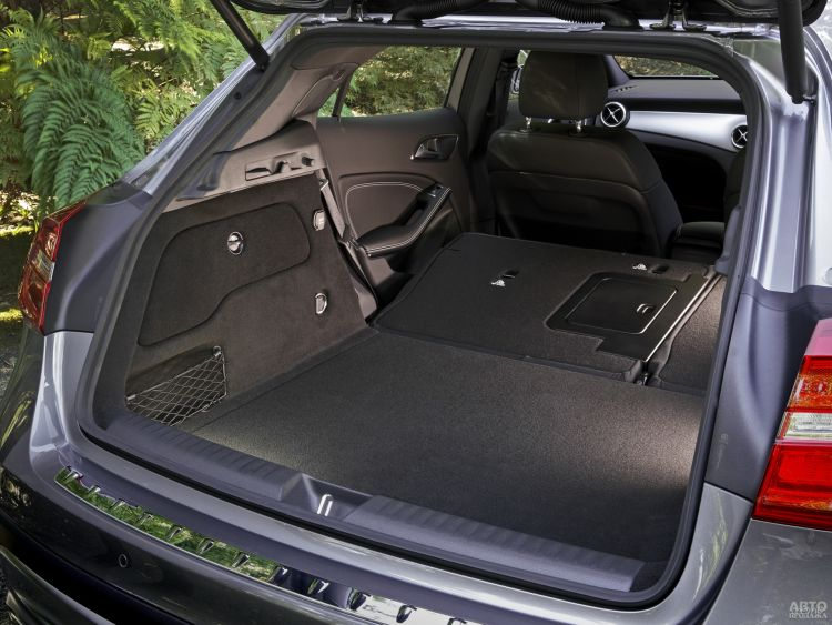 Багажник Mercedes-Benz самый вместительный – 421 л