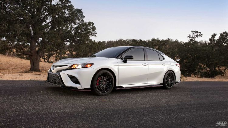 Toyota Camry получила спортивную версию