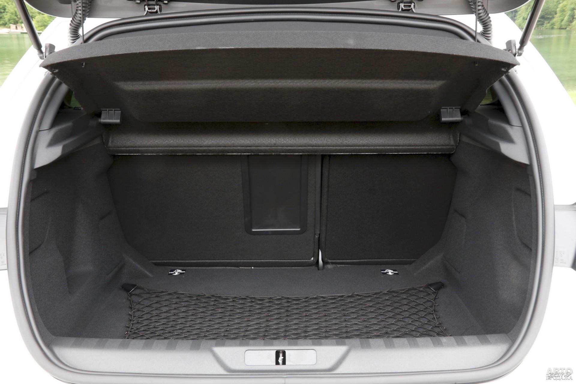 У Peugeot в распоряжении  420 л