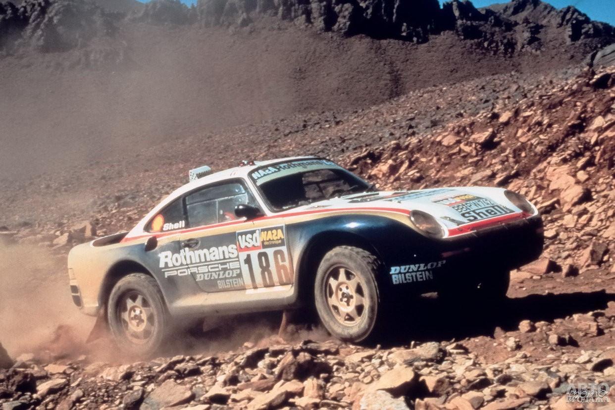 В 1984 году специально подготовленный Porsche 911 SC/RS победил в ралли «Париж-Дакар»