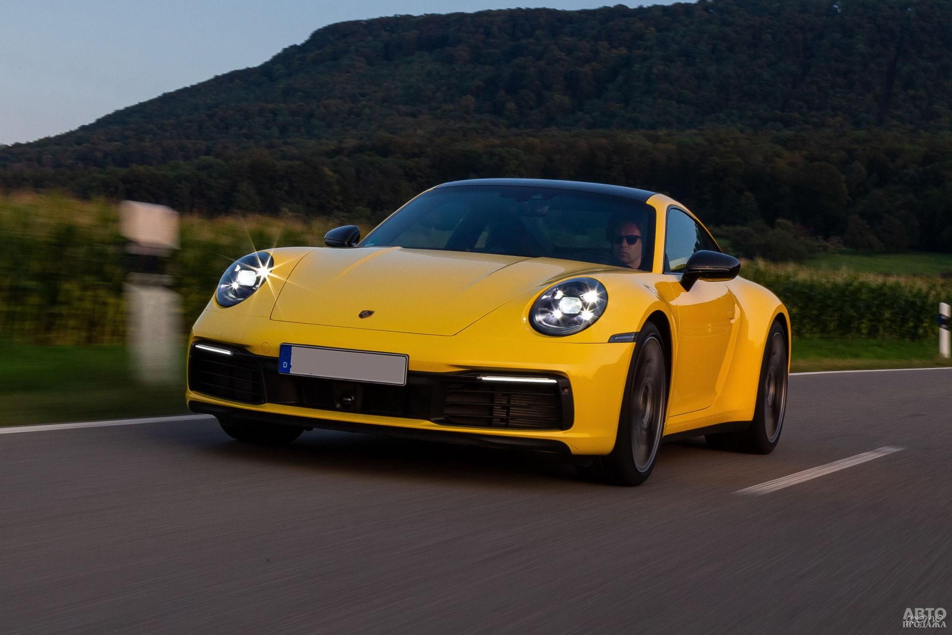 Новейший Porsche 911 сохраняет классический дизайн, но использует современные технологии
