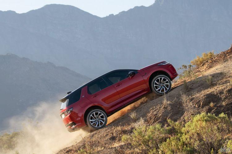 Land Rover Discovery Sport: знакомый дизайн, новые технологии