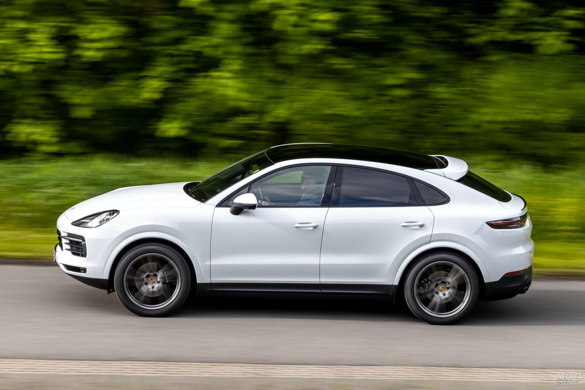 Porsche легче соперников – 2030 кг