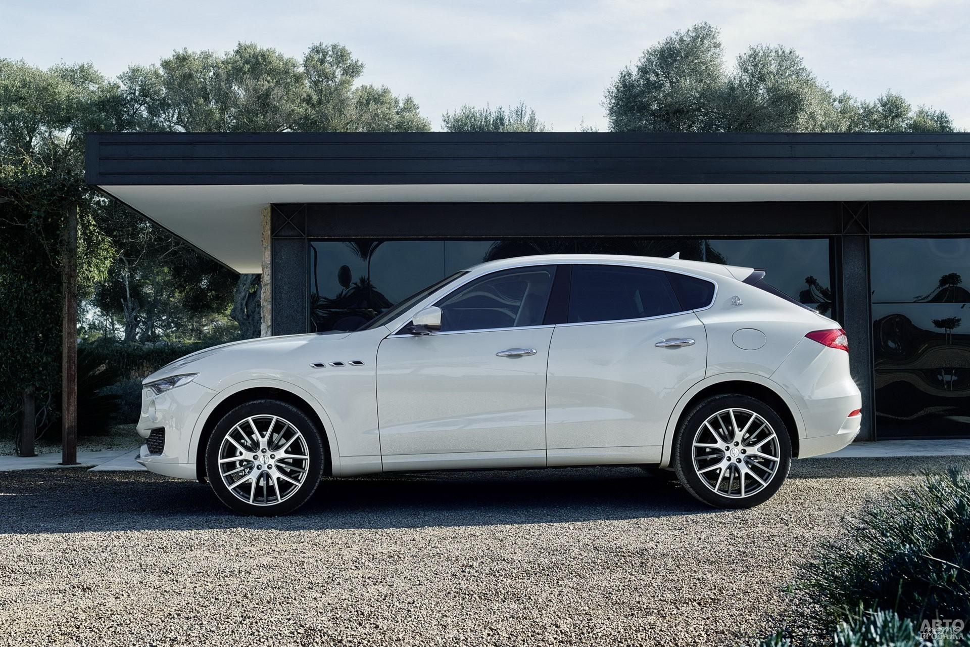 Аркообразная форма крыши – отличительная черта Maserati