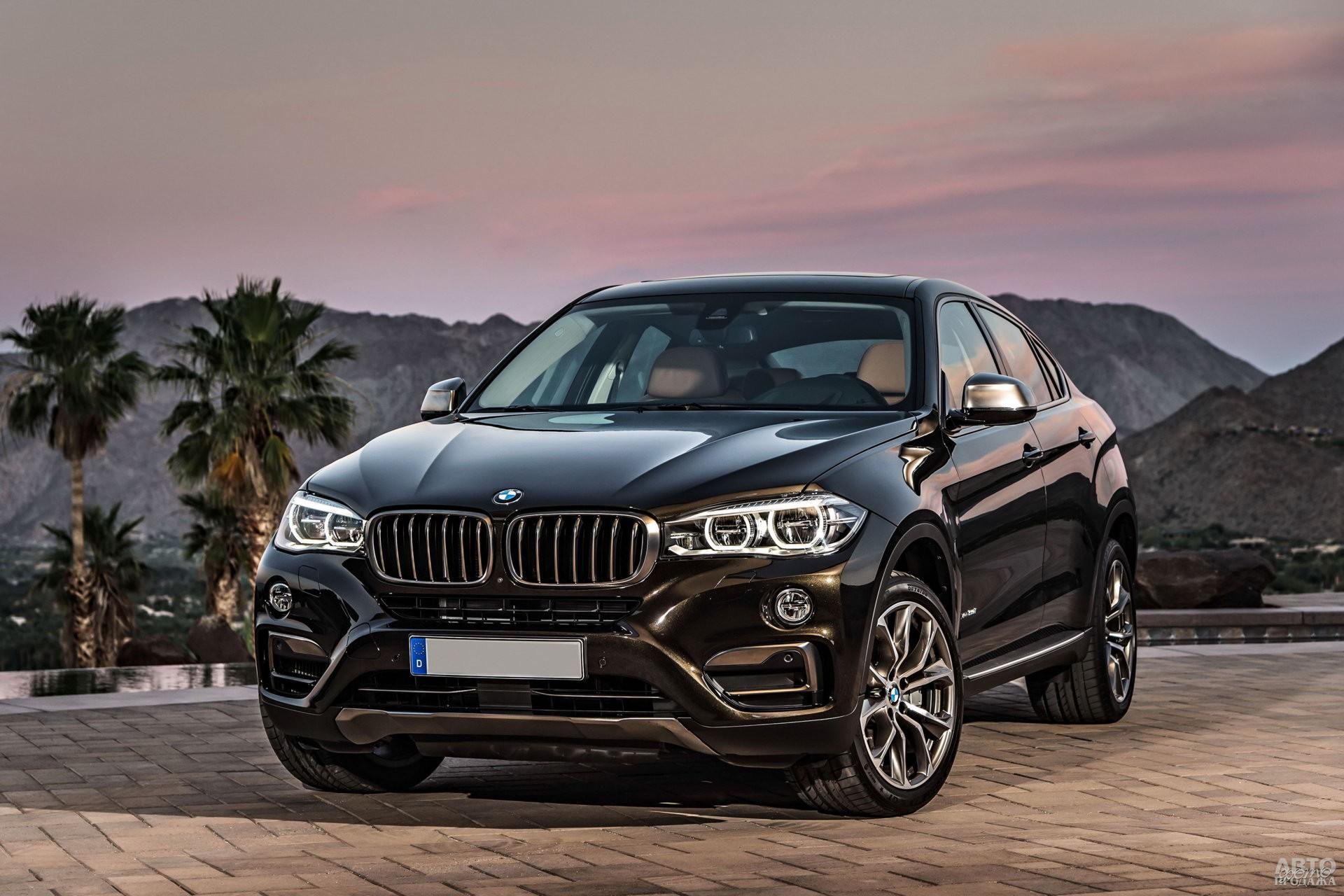 Передний бампер BMW_X6 выполнен Х-образным