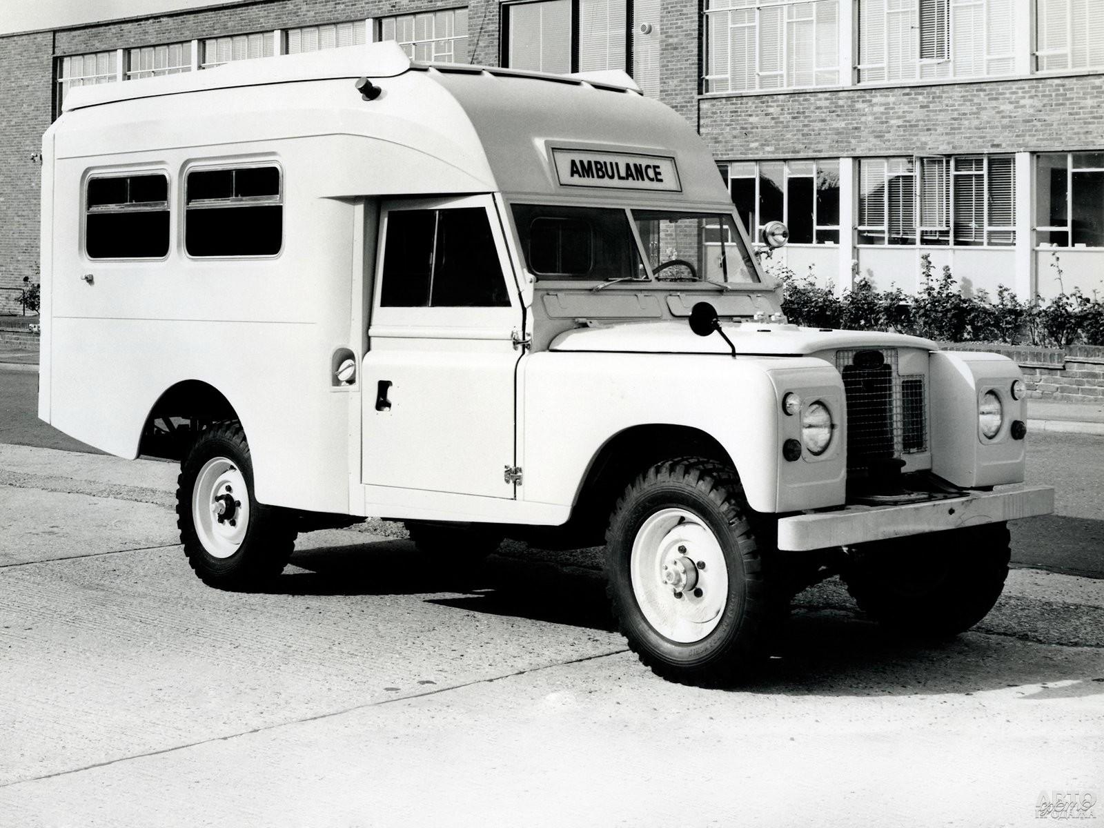 Карета «скорой помощи» на базе Land Rover Series III