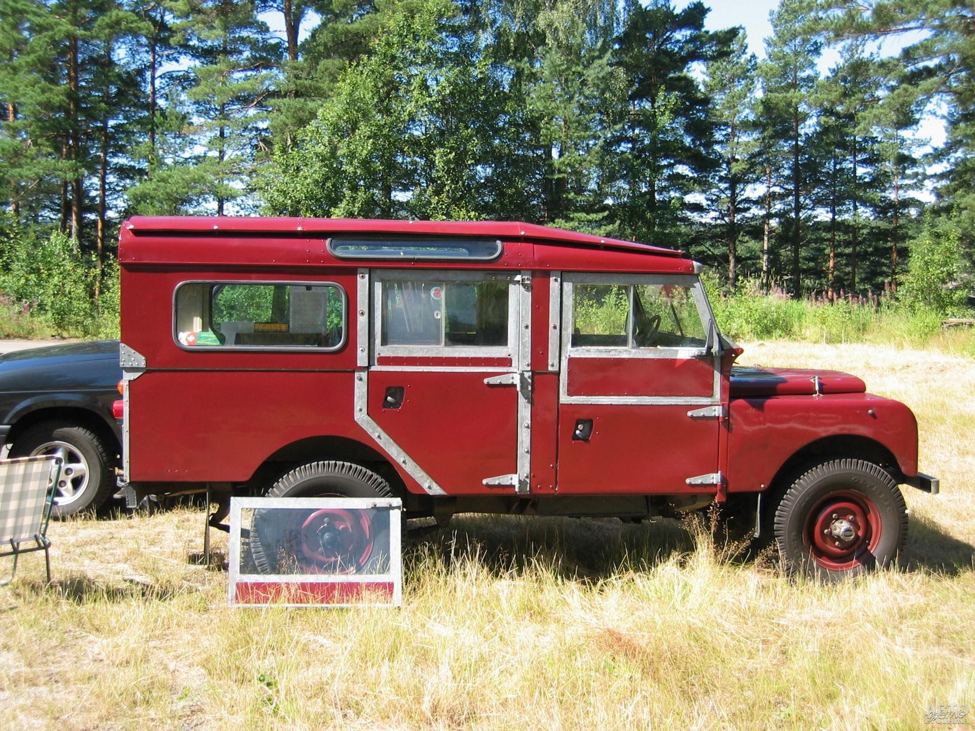 С 1957 года начали выпуск удлиненной пятидверной версии