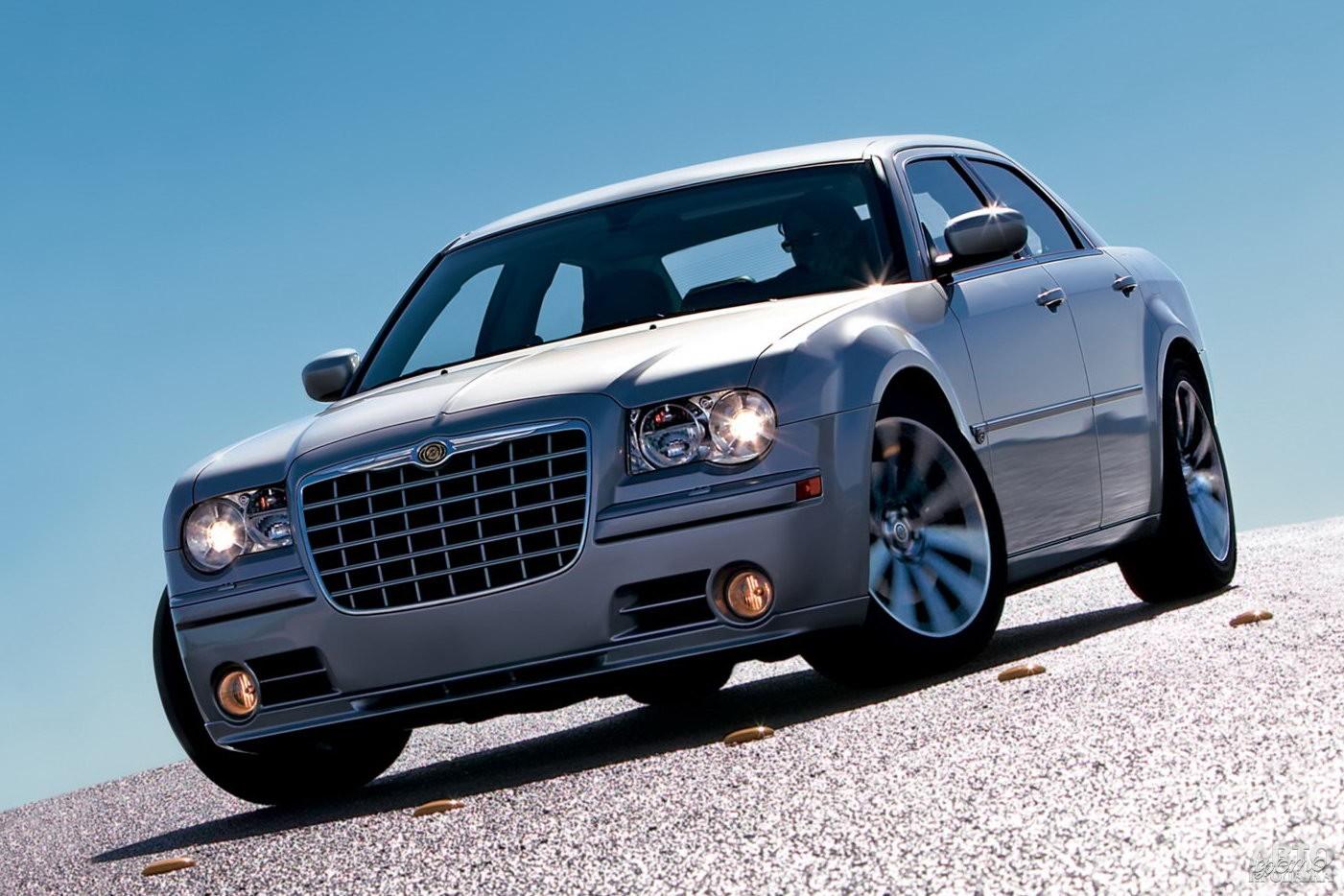 Chrysler 300C 2005 года
