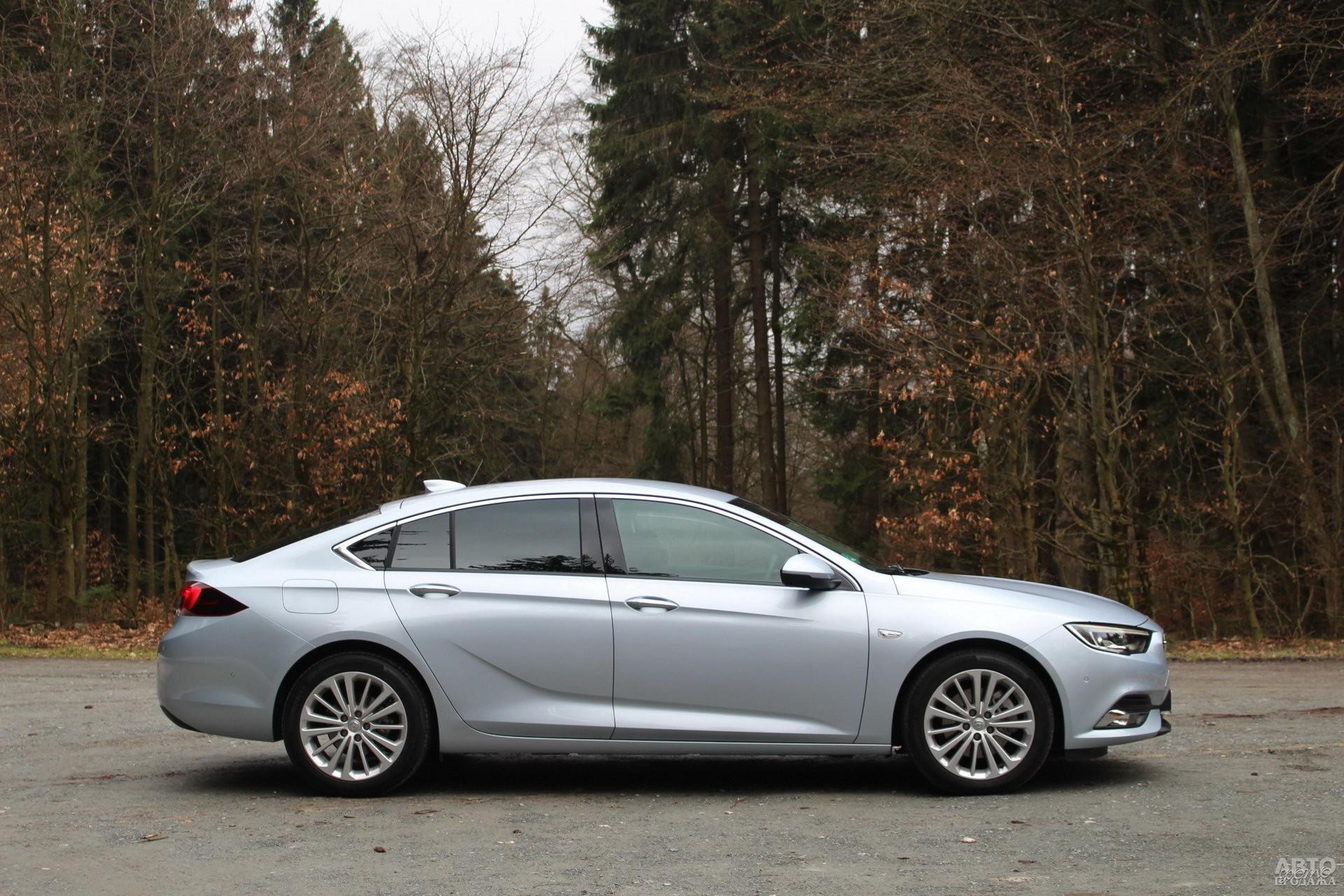 Opel самый длинный в тройке – 4897 мм