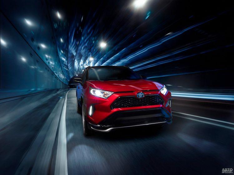 Toyota RAV4 стала заряжаемым гибридом