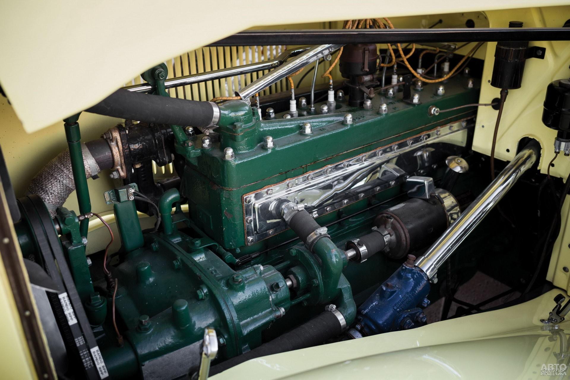 Двигатели у переднеприводных Cord имели продольное расположение