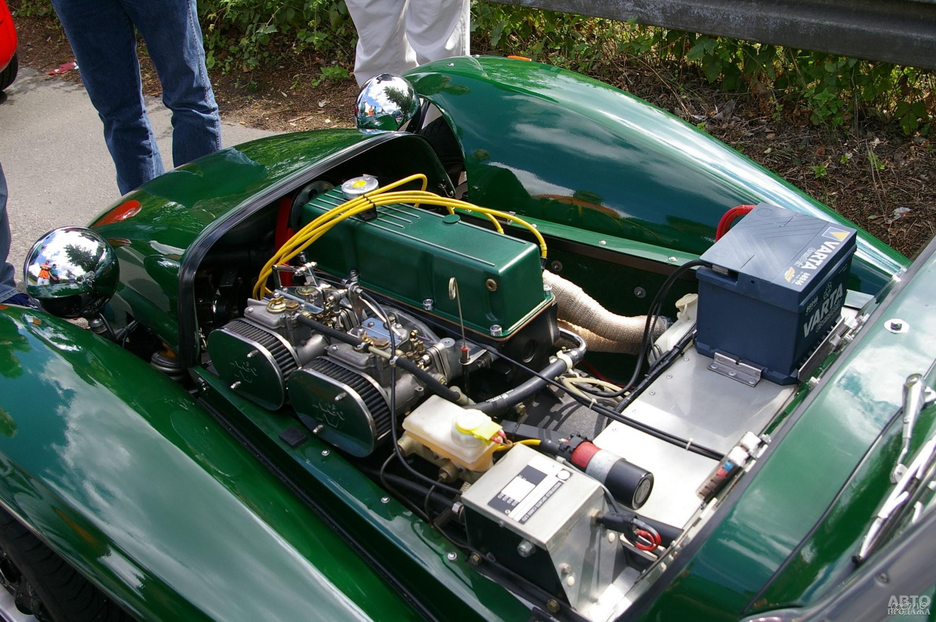 Первые автомобили оснащали «четверками» Ford, MG, Austin-Healey и Coventry-Climax