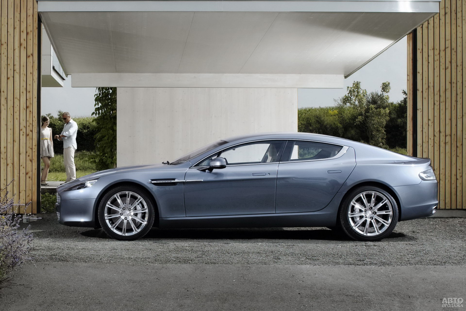 Aston Martin Rapide 2010 года