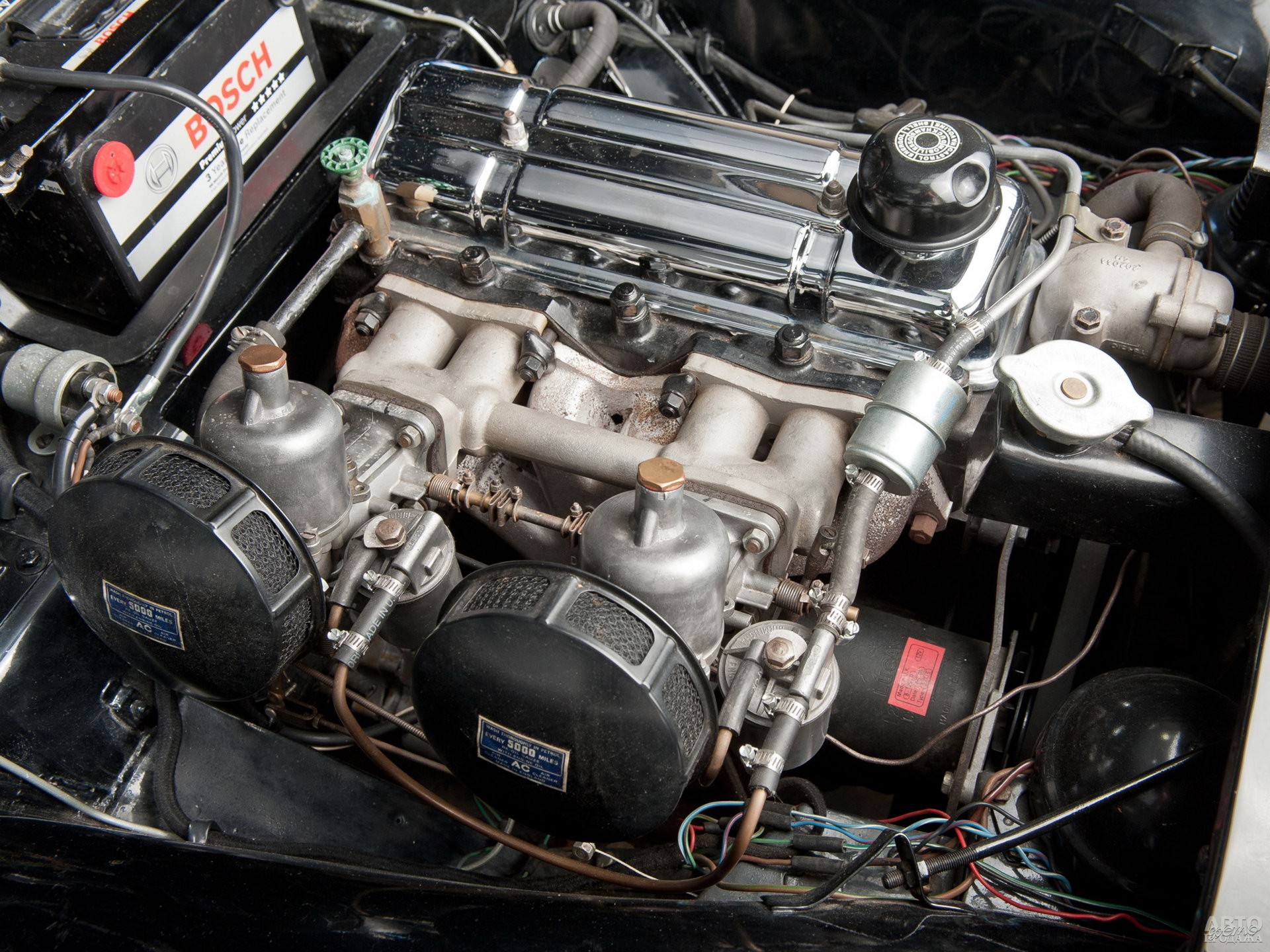 Рядная «шестерка» Standard развивала 90 л. с.