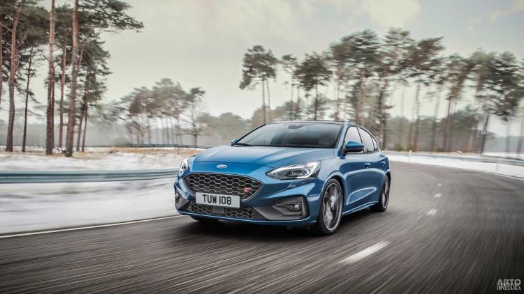 Новый Ford Focus RS станет гибридом