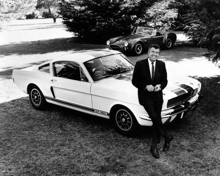 Кэрролл Шелби и доработанный им Ford_Mustang