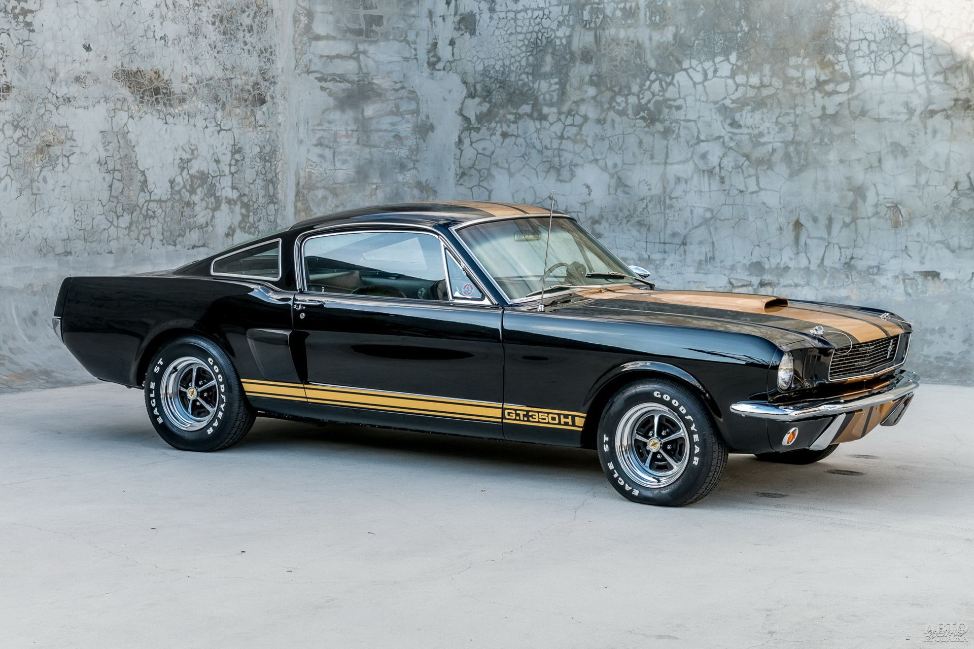Shelby GT350 1966 года от службы проката Hertz