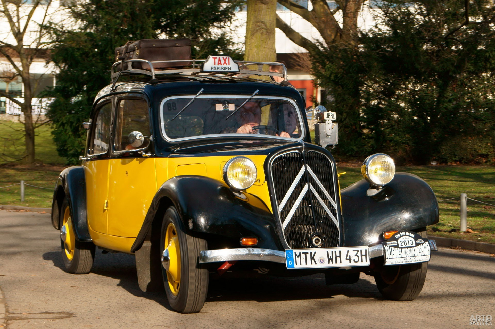 Citroen Traction Avant стал популярным среди служб такси