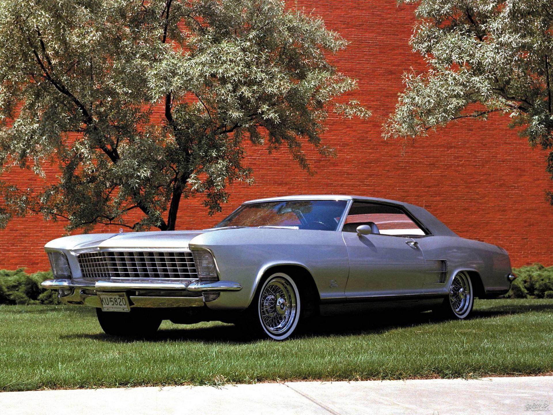 Предсерийный концепт-кар Buick Riviera Silver Arrow