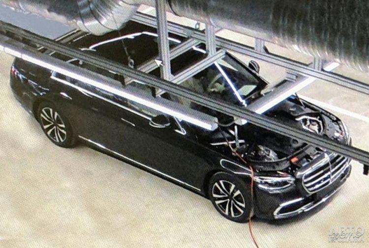 Первое фото нового Mercedes-Benz S-Class