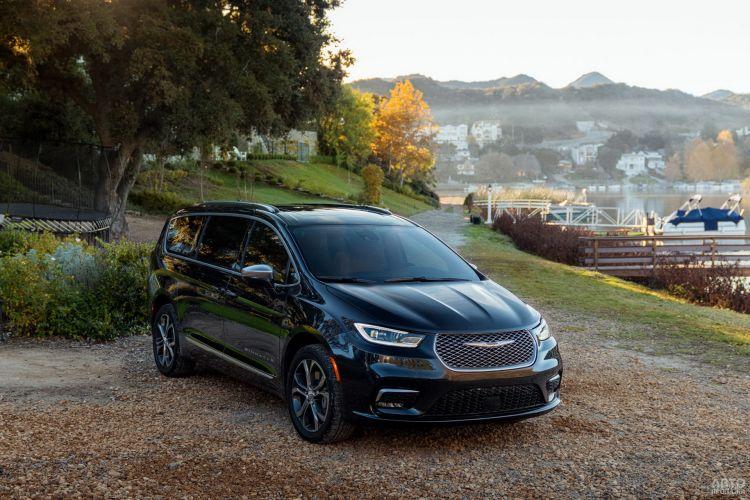 Chrysler Pacifica: новое «лицо»