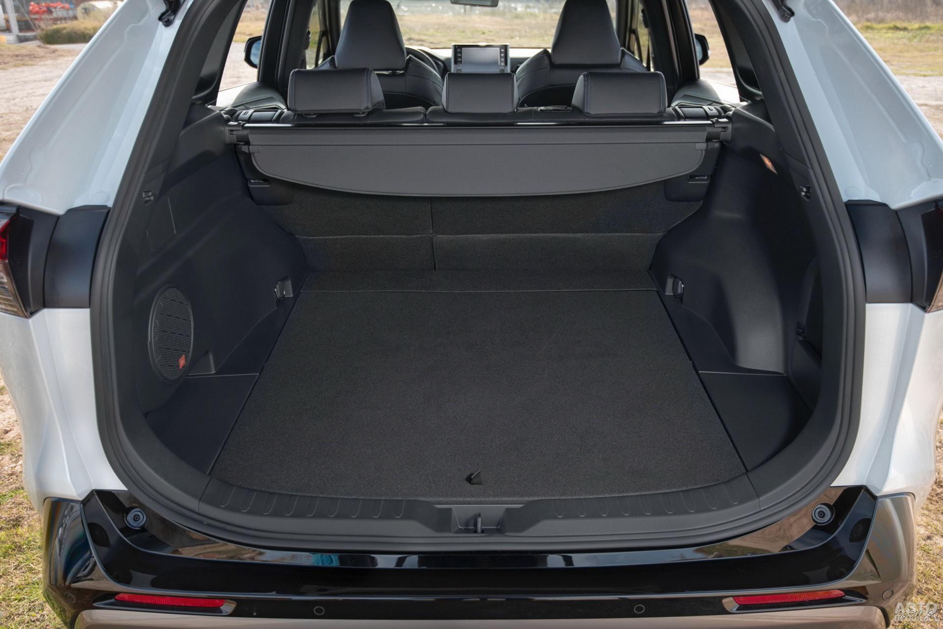 Багажник Toyota самый большой – 580 л