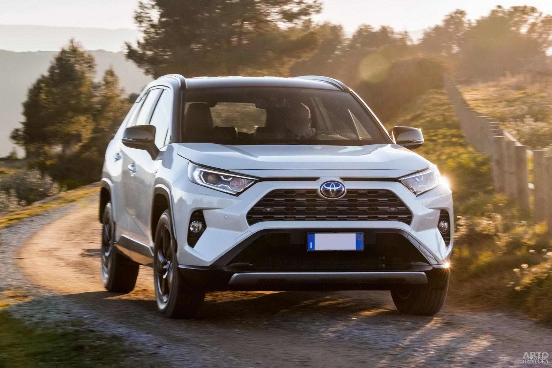 «Лицо» Toyota_RAV4 изменилось до неузнаваемости