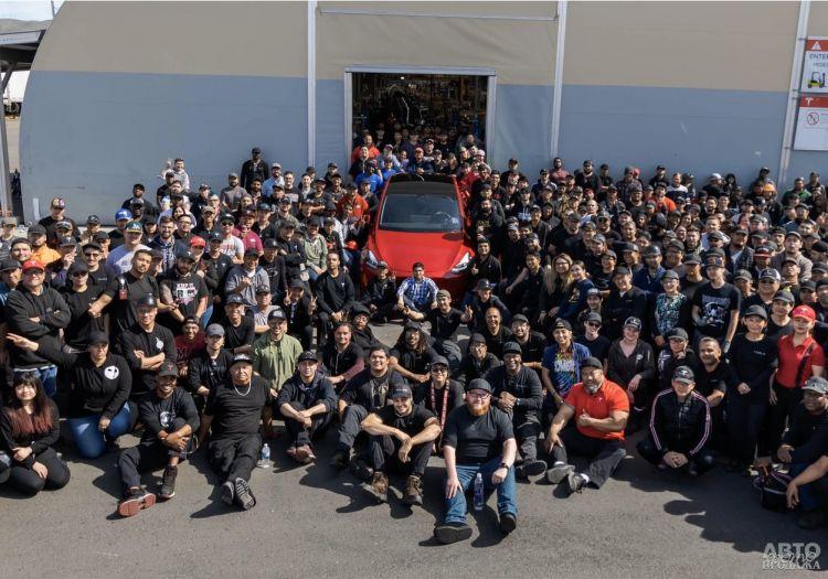 Tesla выпустила миллионный электромобиль