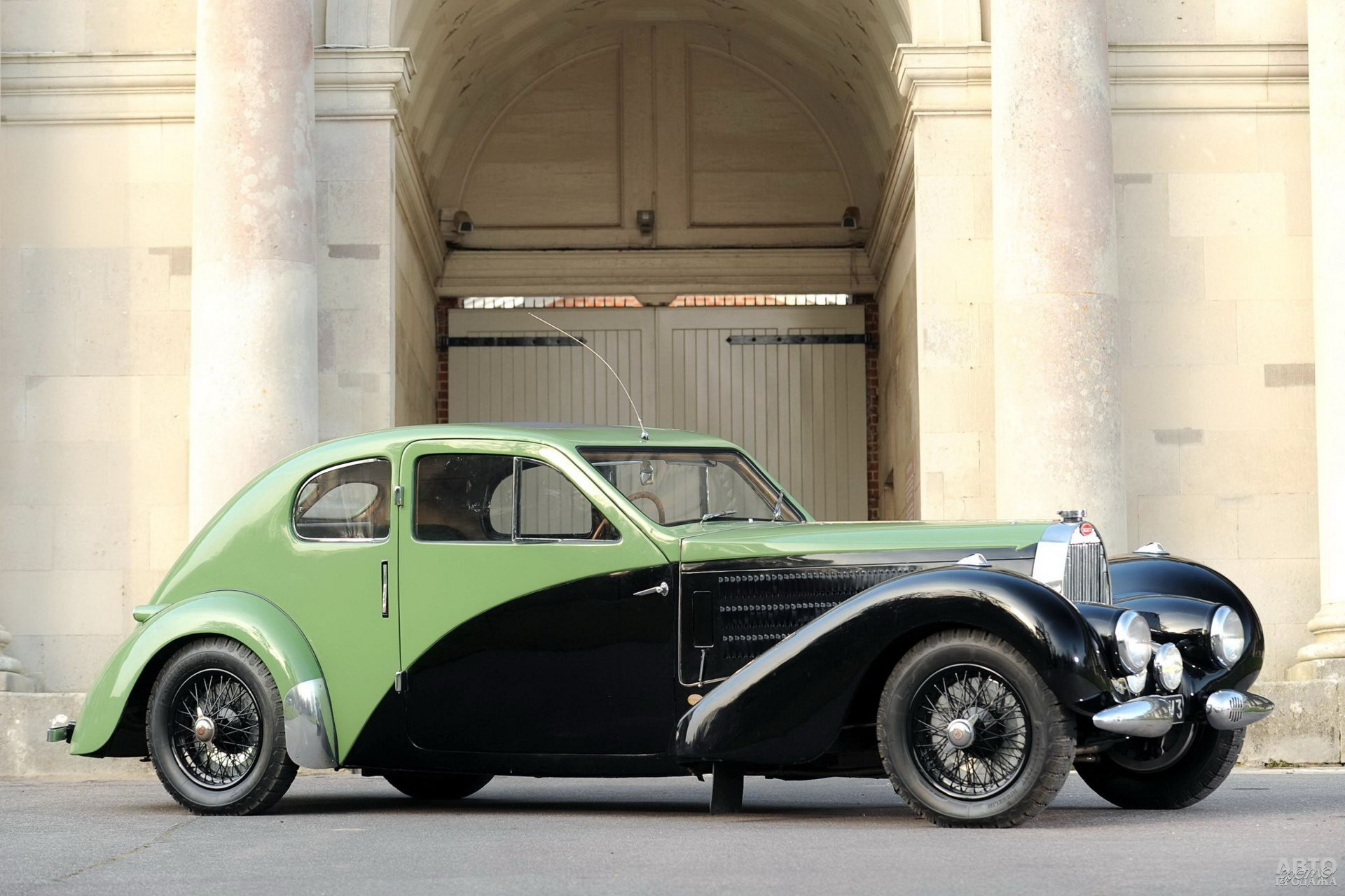Bugatti Type 57C Coupe Aerodynamique создали для Этторе Бугатти