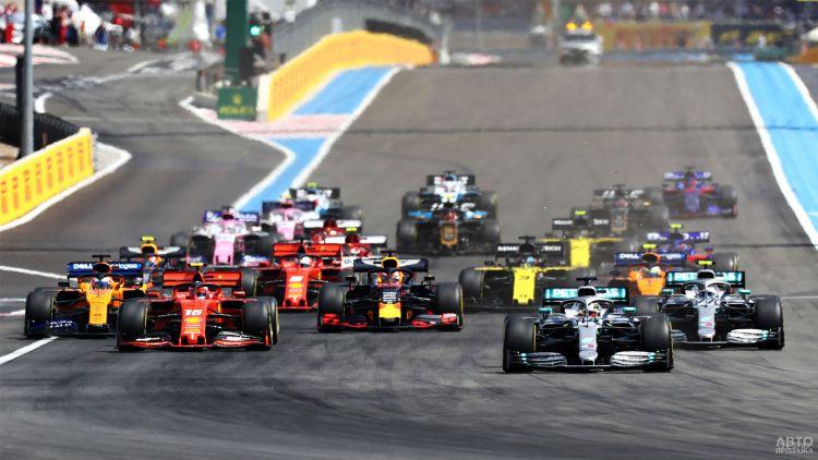 Старт чемпионата Формулы-1 отложен на несколько месяцев