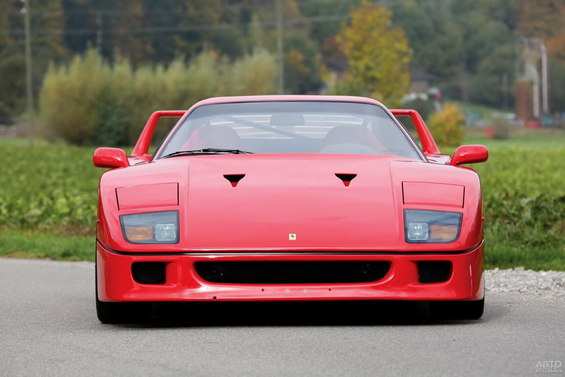 Первый Ferrari_F40 1987 года