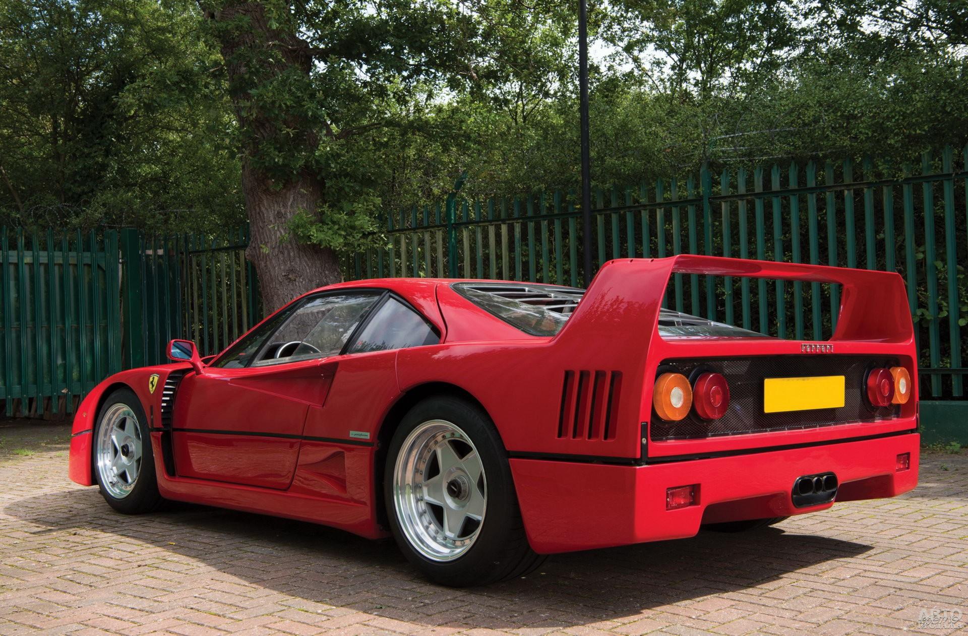 Заднее антикрыло стало визитной карточкой Ferrari_F40