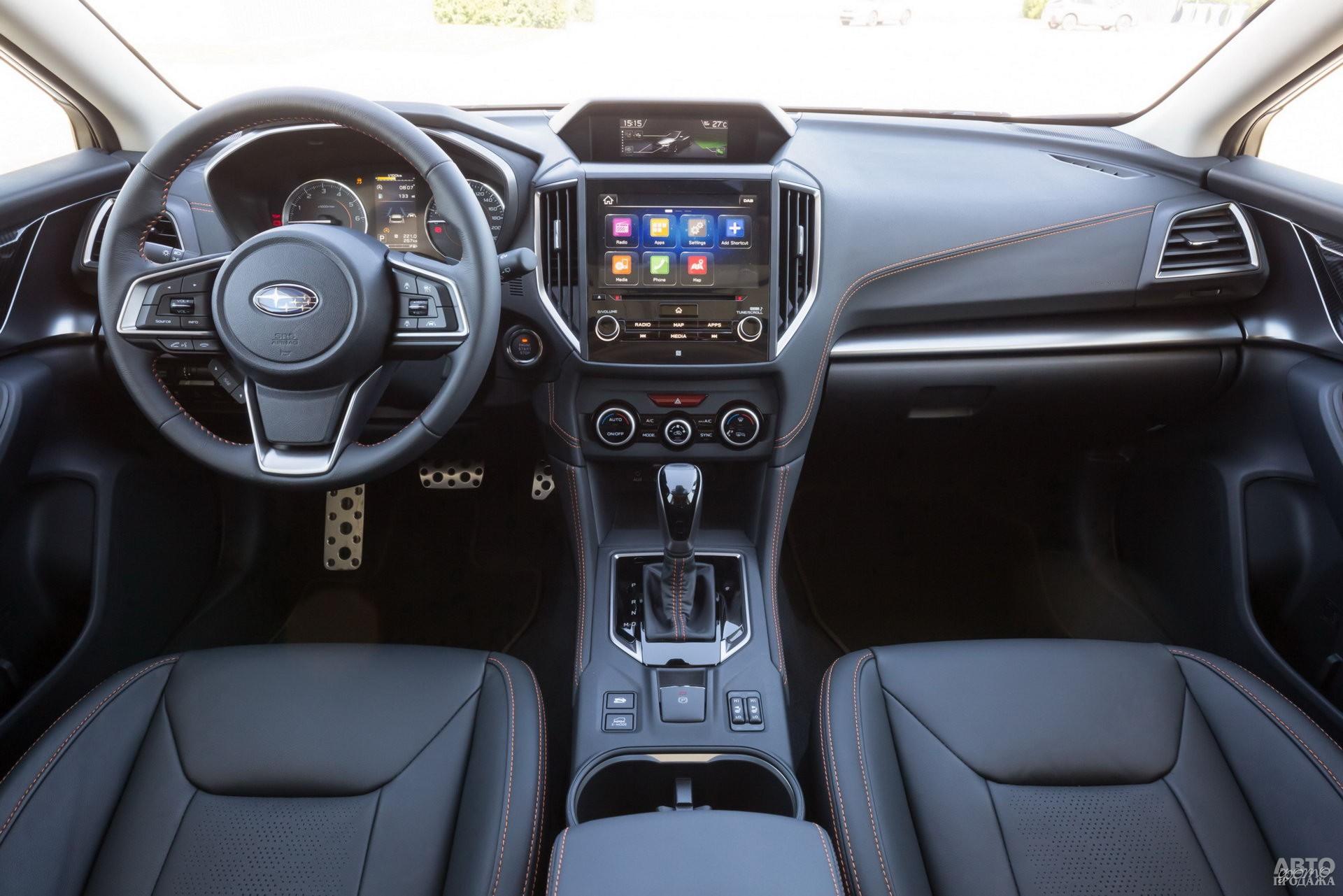 На центральной панели Subaru – сразу два дисплея