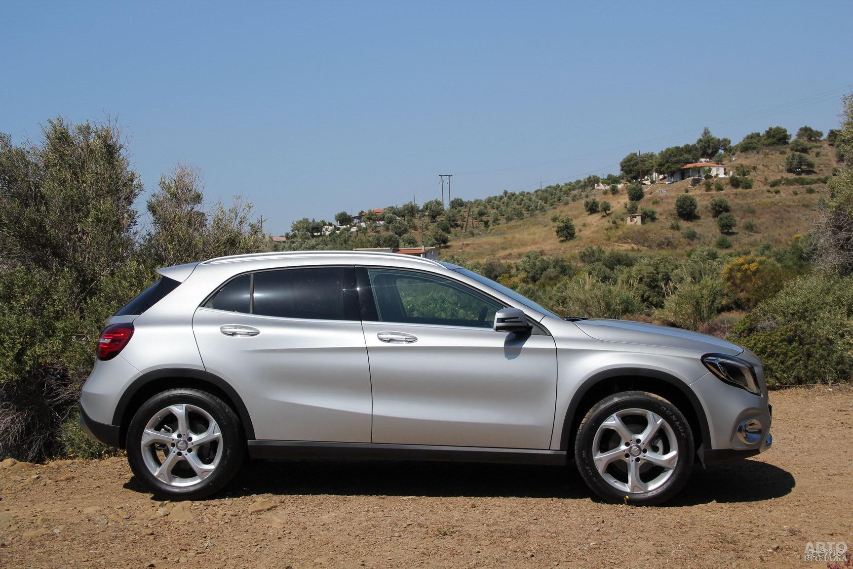 У Mercedes-Benz самая большая колесная база – 2700 мм